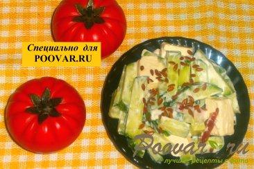 Салат из огурцов с колбасой и сыром Шаг 5 (картинка)