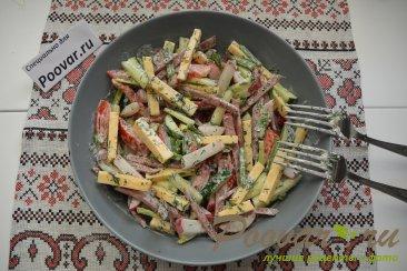 Овощной салат с сыром и колбасой Шаг 9 (картинка)