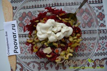 Салат из свеклы с сельдью и оливками Шаг 4 (картинка)