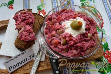 Салат из свеклы с сельдью и оливками Шаг 6 (картинка)