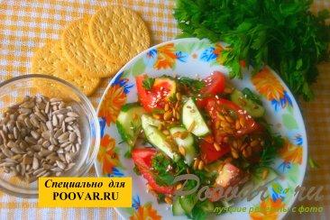 Овощной салат с семенами подсолнечника Шаг 7 (картинка)