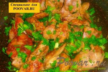 Куриная печень с зеленью Шаг 10 (картинка)