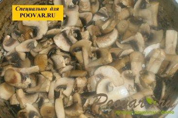 Чебуреки из дрожжевого теста с грибами и сыром Шаг 4 (картинка)