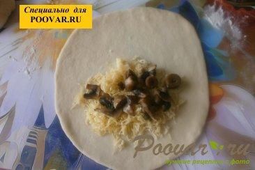 Чебуреки из дрожжевого теста с грибами и сыром Шаг 14 (картинка)