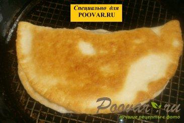 Чебуреки из дрожжевого теста с грибами и сыром Шаг 16 (картинка)