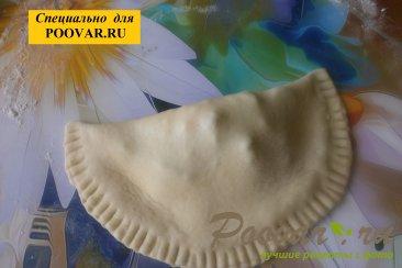 Чебуреки из дрожжевого теста с грибами и сыром Шаг 15 (картинка)