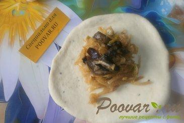 Жареные пирожки с капустой и грибами Шаг 13 (картинка)
