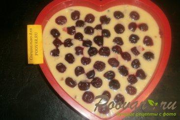 Пирог с вишней и цукатами на кефире Шаг 8 (картинка)