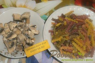 Макароны с грибами Шаг 1 (картинка)