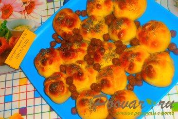 Булочки с конфетами и зерновыми шариками Изображение