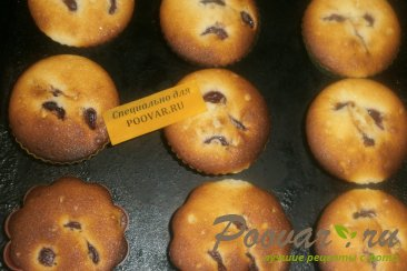 Кексы с черешней Шаг 10 (картинка)