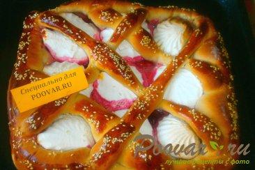 Пирог из дрожжевого теста с ягодами и зефиром Шаг 14 (картинка)