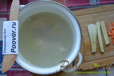 Куриный суп с макаронами и шпинатом Шаг 1 (картинка)