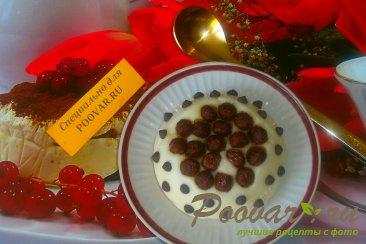 Манная каша с шоколадными шариками Изображение