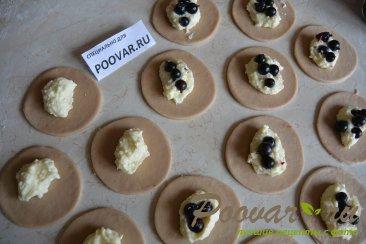 Пирожки с творогом и ягодами Шаг 12 (картинка)