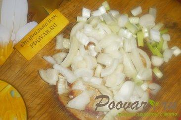 Куриные колбаски с луком и сулугуни Шаг 1 (картинка)