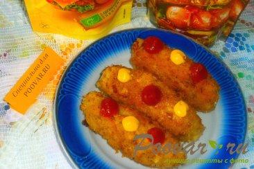 Куриные колбаски с луком и сулугуни Изображение
