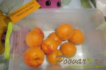 Пирог с ягодами и абрикосами с посыпкой Шаг 8 (картинка)