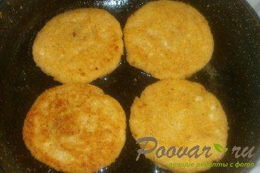 Сырники творожные с абрикосами Шаг 10 (картинка)