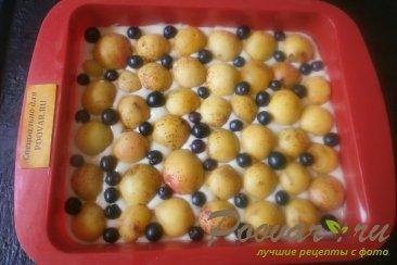 Шарлотка с абрикосом и смородиной Шаг 9 (картинка)