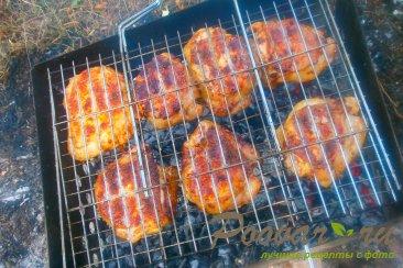 Куриные бёдра с томатным соусом на решётке-гриль Шаг 9 (картинка)