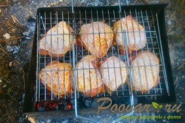 Куриные бёдра с томатным соусом на решётке-гриль Шаг 6 (картинка)