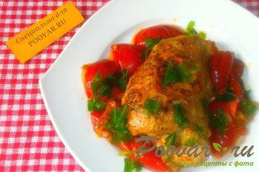 Курица с помидорами Изображение