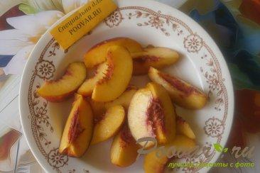 Шарлотка с нектарином и шоколадным печеньем Шаг 6 (картинка)