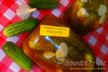 Огурцы с кетчупом и чесноком Изображение