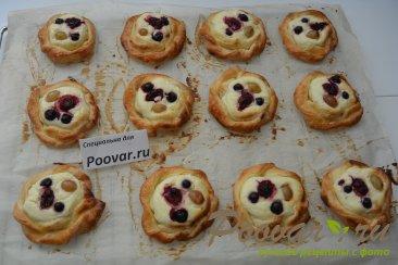 Печенье из слоёного теста с творогом и ягодами Шаг 11 (картинка)