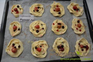 Печенье из слоёного теста с творогом и ягодами Шаг 15 (картинка)