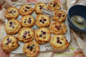 Печенье из слоёного теста с творогом и ягодами Шаг 17 (картинка)