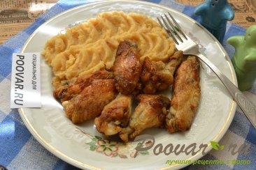 Куриные крылышки на сковороде Изображение