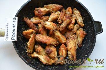 Куриные крылышки на сковороде Шаг 5 (картинка)