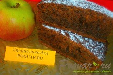 Шоколадный пирог с яблоками и маком Изображение
