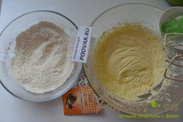 Пирожное с безе, кремом и ягодами Шаг 4 (картинка)