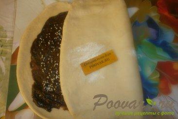 Рулет из дрожжевого теста с шоколадной начинкой Шаг 13 (картинка)