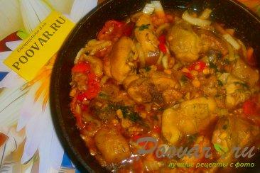 Тушёная курица с овощами и томатом Шаг 16 (картинка)