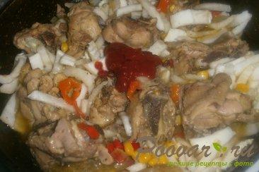 Тушёная курица с овощами и томатом Шаг 14 (картинка)