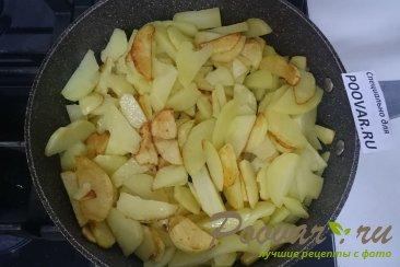 Тушёная капуста с картошкой и колбасой Шаг 8 (картинка)