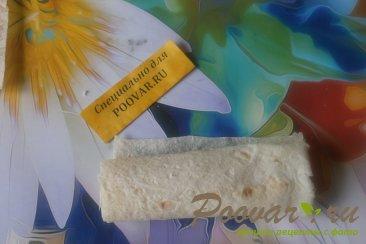 Трубочки из лаваша с колбасой и сыром моцарелла Шаг 6 (картинка)