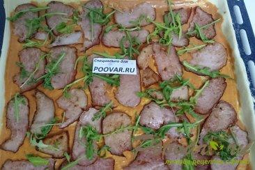 Пицца с руколой, грибами и сыром Шаг 10 (картинка)