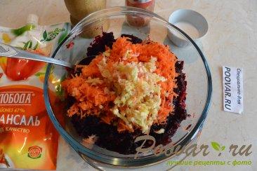 Салат из свеклы и моркови с чесноком Шаг 7 (картинка)