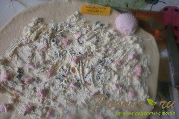 Рогалик с творогом и сухофруктами из дрожжевого теста Шаг 14 (картинка)