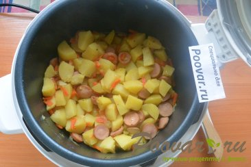 Тушеная картошка с сосисками в мультиварке Шаг 11 (картинка)
