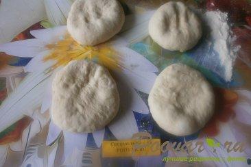 Лепёшки с сыром из дрожжевого теста Шаг 4 (картинка)