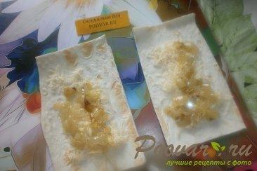 Рулетики с луком и сыром из лаваша Шаг 10 (картинка)