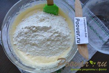 Бисквитный торт с кремом из сгущенки и сливочного сыра Шаг 5 (картинка)