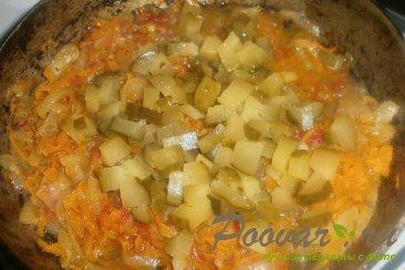 Тушёный картофель с солёными огурцами Шаг 11 (картинка)