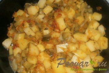 Тушёный картофель с солёными огурцами Шаг 14 (картинка)